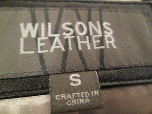 WILSONS LEATHER Black Leather Coat in good condition. Kingston Kingston Area image 5