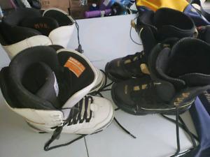 Bottes de snowboard et sac pour snowboard