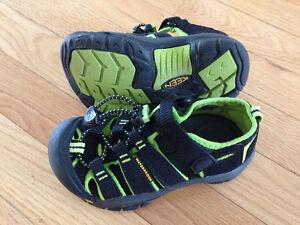 Kids size 10 Keens sandles Yukon image 1