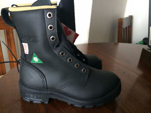New in box Royer Safety Toe Boots (black) women's size 5