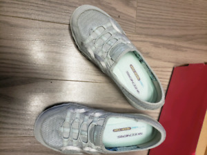 Size 7 sketchers runners womens