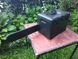 Chainsaw carry/storage cases