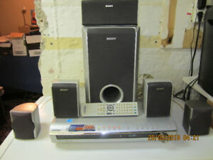 Sony 5 Disc DVD Player - AV System - 1000 watts of Power -Oshawa