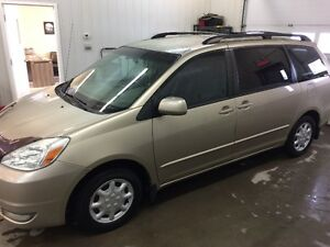 2004 Toyota Sienna le Fourgonnette, fourgon Saguenay Saguenay-Lac-Saint-Jean image 2