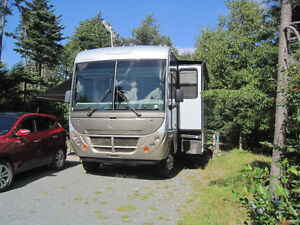 2005 Fleetwood Southwind 37 L Plus Low Mileage Tow SUV, For Sale