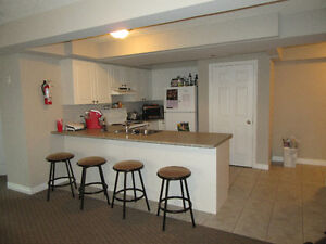 54 Ezra Summer Sublet (3 rooms available)