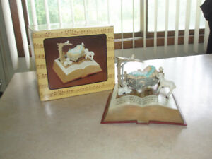 "~Rare VIntage 1986 Musical "" The Bible Manager "" by Enesco~"