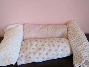 4 draps contours très très propres pour bassinette