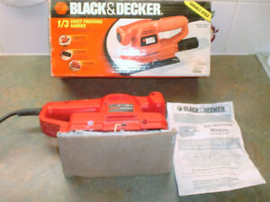 BLACK AND DECKER 1/3 SHEET FINISHING SANDER