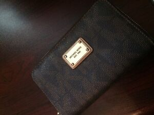 Authentic Michael kors wallet with cell holder