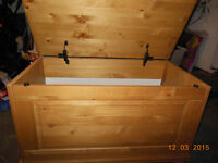 toychest solid Pine