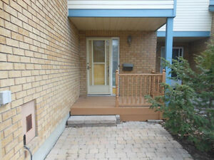 3bedroom 1.5 bath townhouse for rent in Morgan's Grant, Kanata