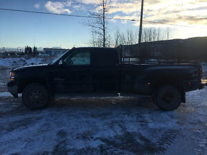 2002 GMC Sierra 3500 Dually Pickup Truck