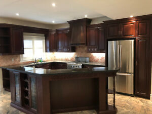 Complete kitchen with granit counter top. Very new condition.