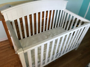 White Crib Good condition for sale. Original Owner