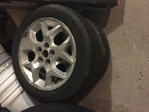 Four Tires on Aluminum Rims P185/60R/15 Kitchener / Waterloo Kitchener Area image 4