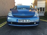 TOYOTA PRIUS T-SPIRIT WITH NAVIGATION BLUETOOTH FULL TOYOTA SERVICE HISTORY