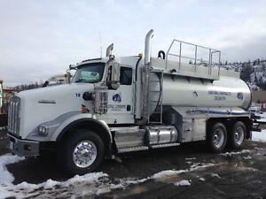 2 - 2011 Kenworth T800 Tandem Water Tank Trucks