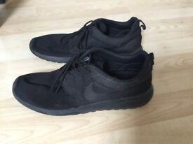 Nike Roshe - UK 10