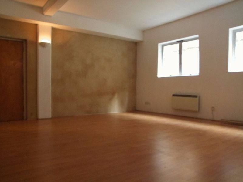 SPACIOUS STUDIO IN COMMERCIAL STREET - SHOREDITCH