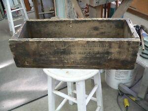 plusieurs caisse de bois antique a différent prix