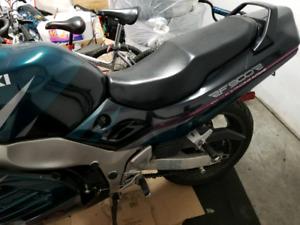 Suzuki rf900 r 1996