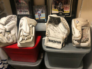 Cheap hockey equipment / collectables $10