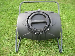 barril composteur sur roulettes ,valeur de $200 pour $85
