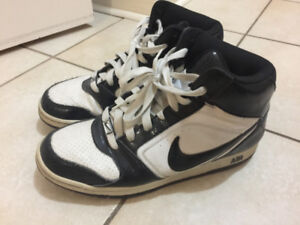 Selling Nike's great condition