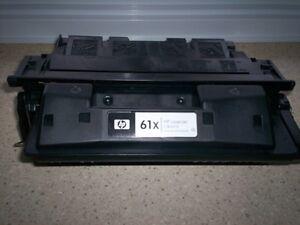 HP – Cartouche de toner noire 61X, haut rendement (C8061X)