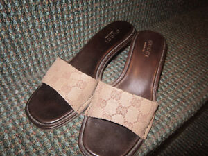 GUCCI SANDALES 7.5 SANDALE SLIP ON AUTHENTIC