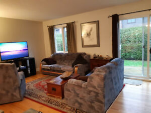 SPACIOUS & BRIGHT PRIVATE ROOM - shared Garden Home Dec 1st