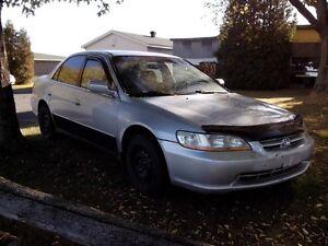 2000 Honda Accord gris Familiale
