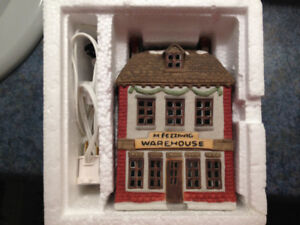 DEPARTMENT 56 -DICKENS - EARLY ISSUE - FEZZIWIG'S WAREHOUSE