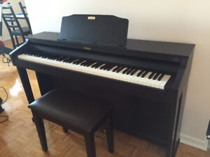 Roland HP504 - Virtually Brand New (mint condition)