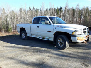 1998 Dodge Power Ram 1500 Sport Pickup Truck