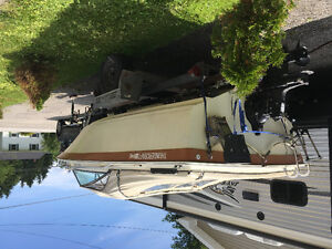 THUNDERCRAFT INBOARD/OUTBOARD BOAT
