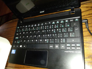 Acer One netbook HDMI