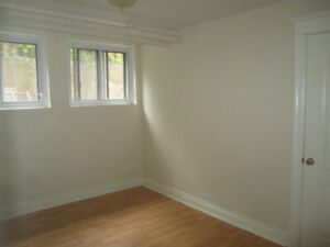 4 1/2 half-basement unit AVAILABLE for July on Monkland