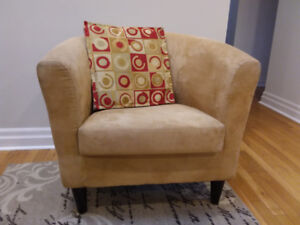 Accent / Occasional Chairs