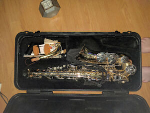 Selmer AS300 Alto saxophone -> great for beginners !
