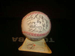 LOOK--BLUE JAYS COLLECTABLE