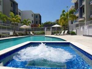 Short Term Rental  Beachside 2 bed 2 bath 2 parking Mermaid Waters Gold Coast City Preview