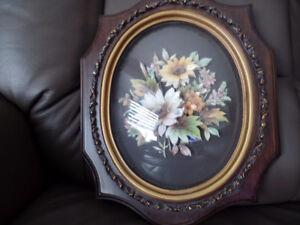 Very Pretty Framed PAPER TOLE Picture (Flowers) ~ AS NEW ~ $45