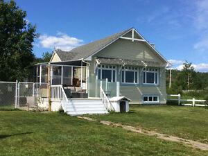 Magnifique demeure située à Plage Ferguson face à la mer
