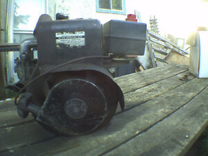 8 HP Briggs and Stratton Engine With Centrifugal Clutch
