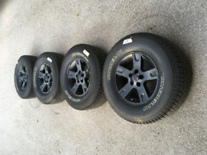 Sport Trac rims and tires 255/70R16 great condition