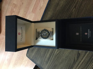 Swiss Army Men's Watch Brand New With 3 Year Warranty Included
