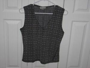 Vêtements pour femme ou ados à vendre à 5$ et moins