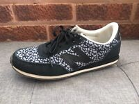 New Balance 410 size 5 trainers